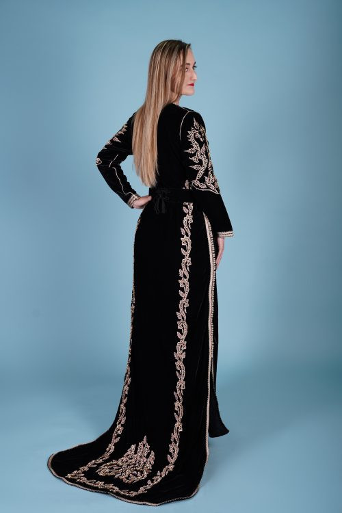 Black long tail caftan