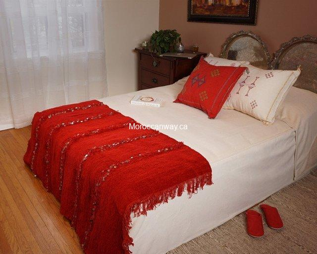 Small Handira Blanket red