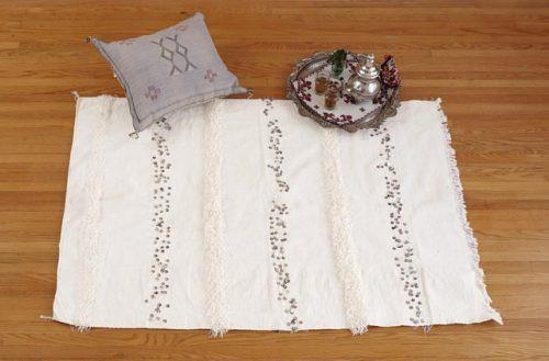 White handira blanket